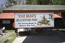 Jellystone sign